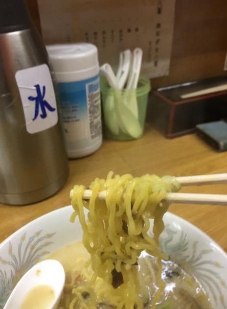 楽々亭 麺 リフト